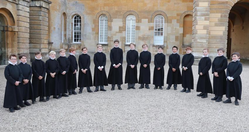 The Choir outside Blenheim Palace